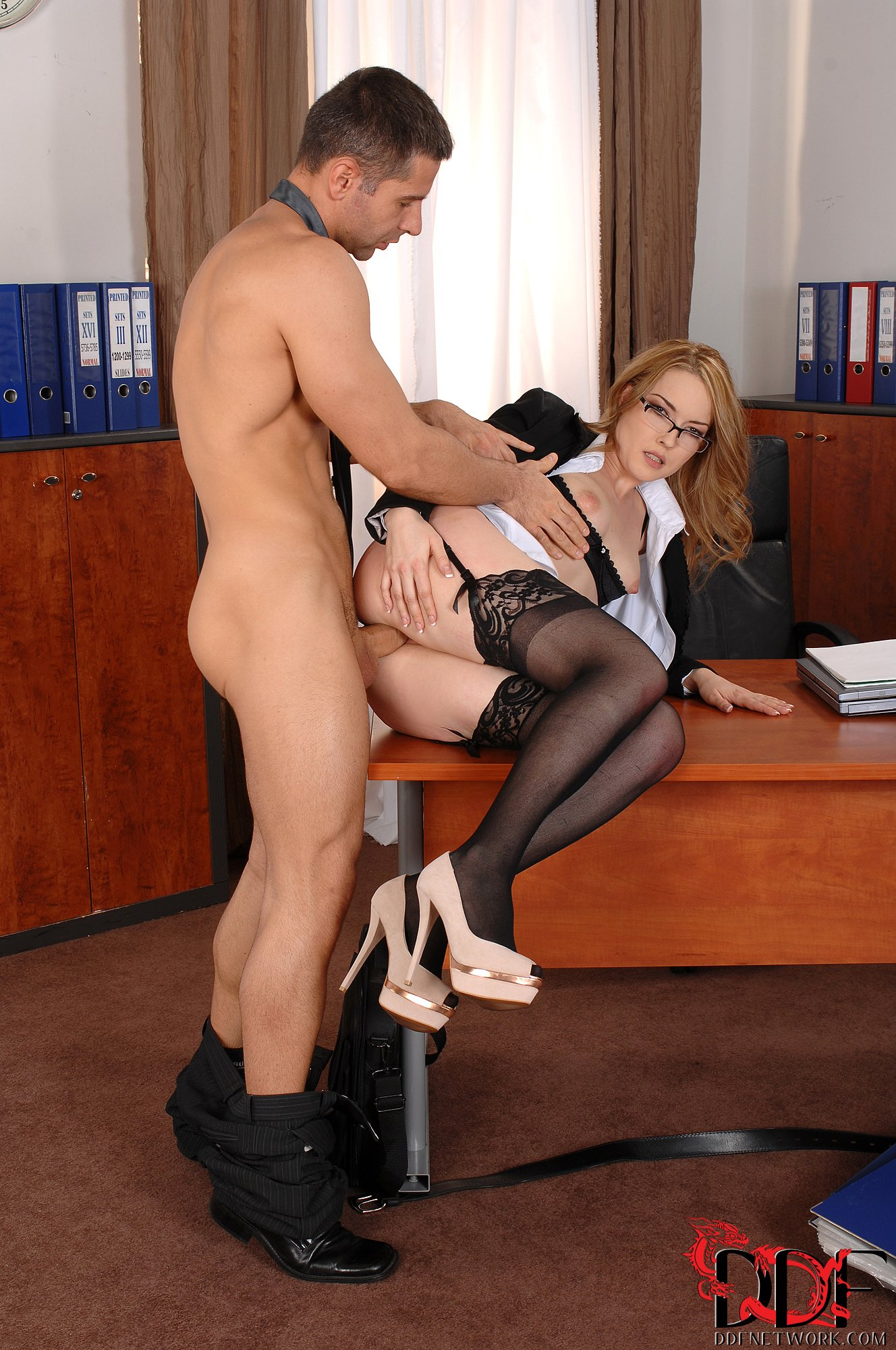 Sexy Secretary Seduces Boss
