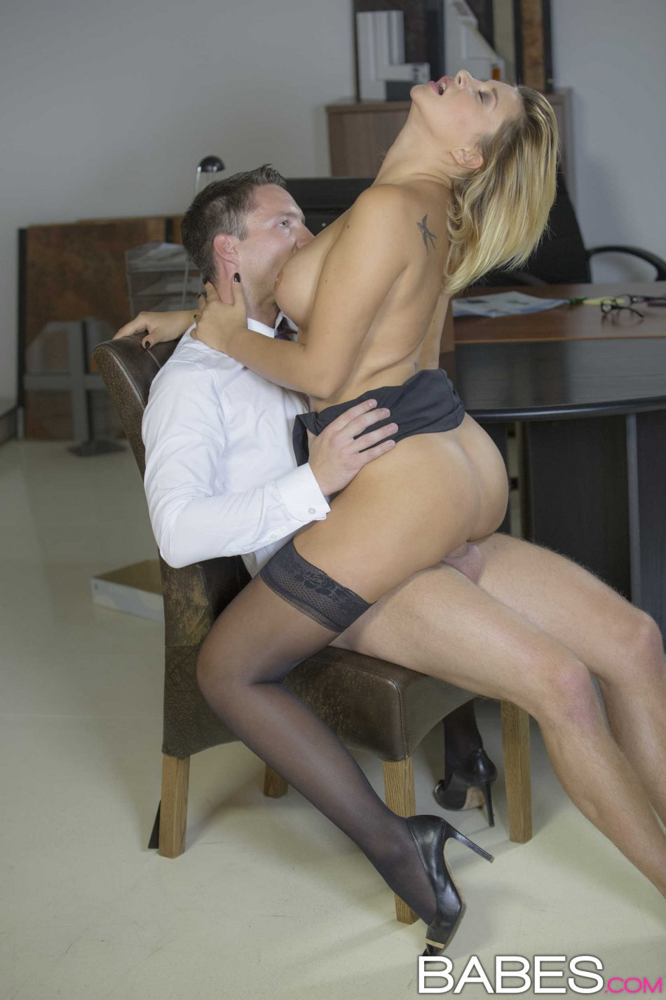 Horny Office Babes